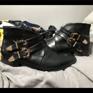 Boohoo pointed toe ankle boots w/ gold buckles